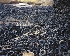 ambiental,mountain,landscape,tyres,decay,environmental-76b0cc85314ed46b60efb62406a3f7ab_h