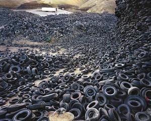 ambiental,mountain,landscape,tyres,decay,environmental-76b0cc85314ed46b60efb62406a3f7ab_h